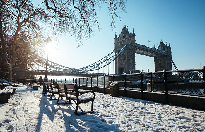 London Bridge mit Schnee