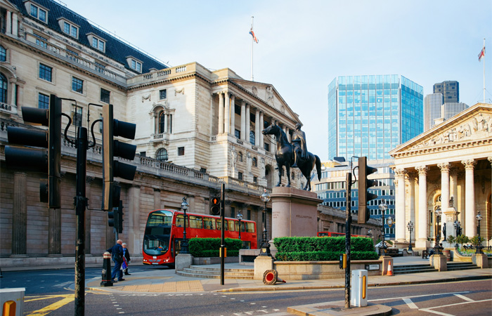 Threadneedle Street mit der Bank of England.